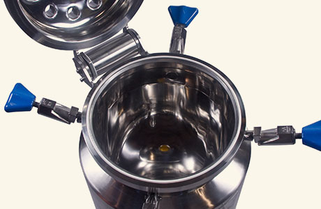 ASME pressure vessels by HOLLOWAY can come with open-top design.