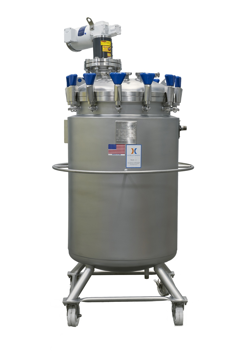 HOLLOWAY proudly crafts beverage mixing tanks like this one for the beverage industry.