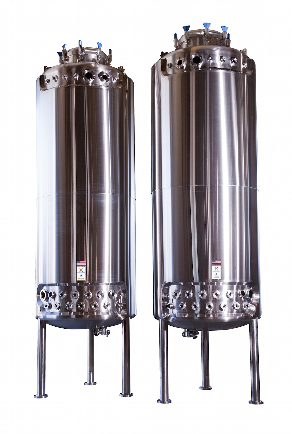 HOLLOWAY proudly produces pharmaceutical stainless steel solutions like these bioreactors.