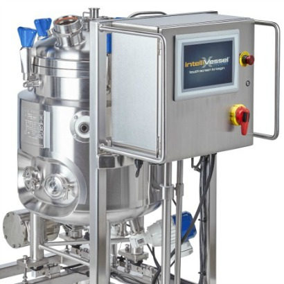 From pressure vessel components to stainless steel pressurized tanks to new smart tank technology, HOLLOWAY offers a large variety of photos.