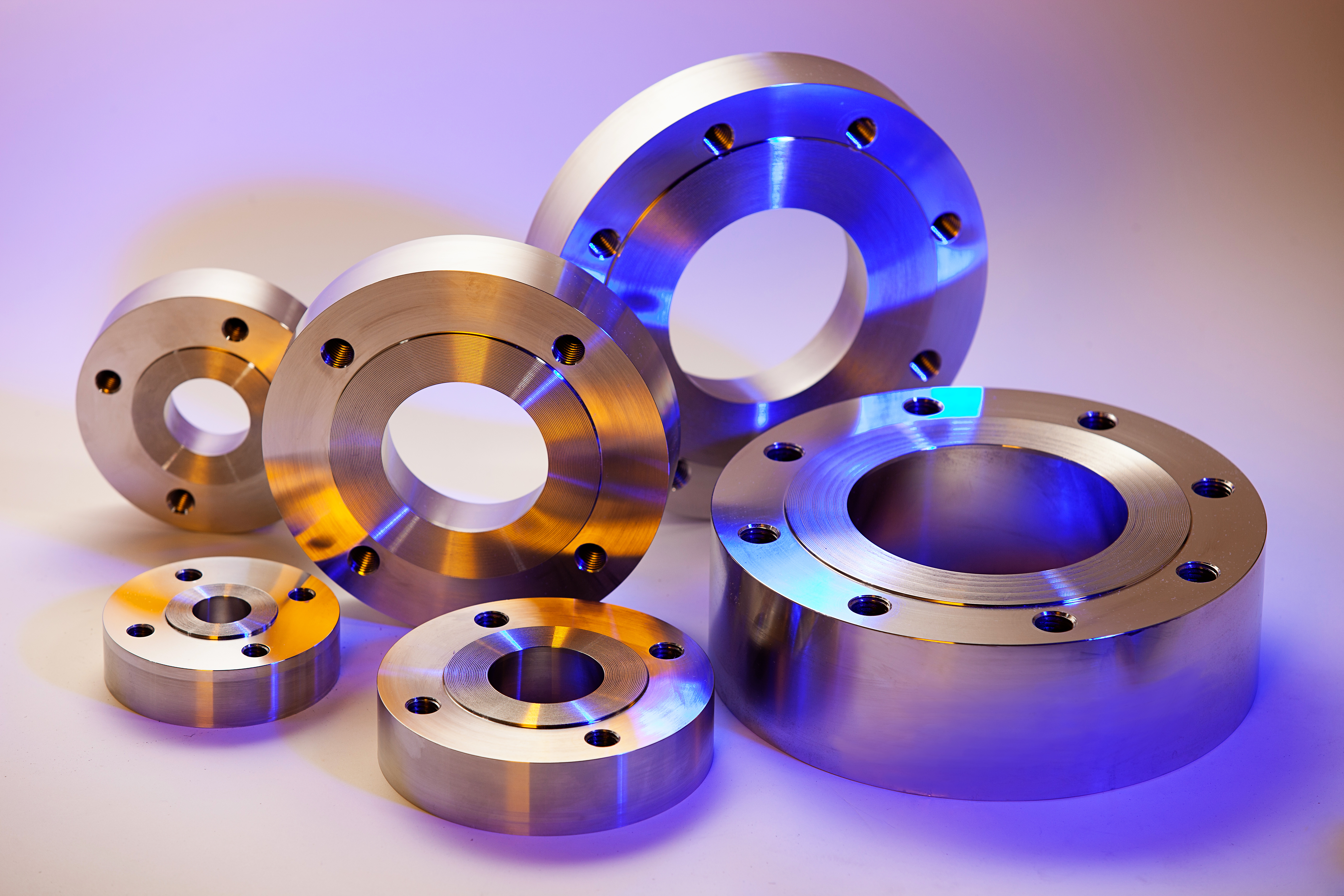 With raised face flange or flat face pad flange design, Holloway pad flanges last.