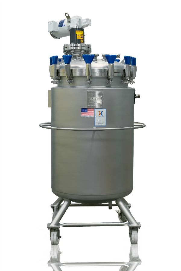 The mix tank masters at HOLLOWAY crafted this mixing tank with portable vessel design.